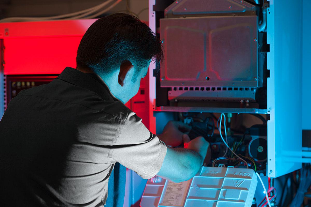 tech maintaining furnace